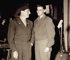 Actor/Writer Reginald Gardiner visits with 3rd Division GI, Eddie Whosis after show-Bh001x.jpg (17398 bytes)